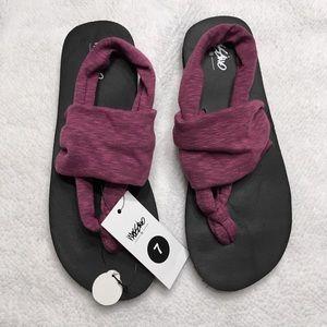 NWT Mossimo yoga sling sandal 7